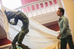Jonjo unveiling the Mercutio Statue at Newcastle Theatre Royal - 3